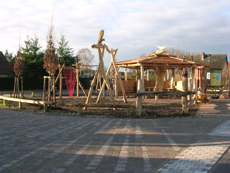 Spielplatz Grabenitz - gegenüber den Fereinwohnungen Weidenhof